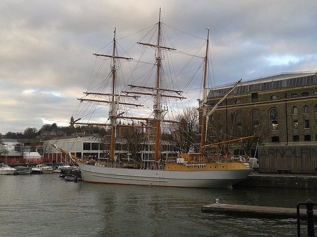 Three-masted barque Kaskelot of Bristol (1948) & Arnolfini building, City Docks, Bristol 10.12.2013 003