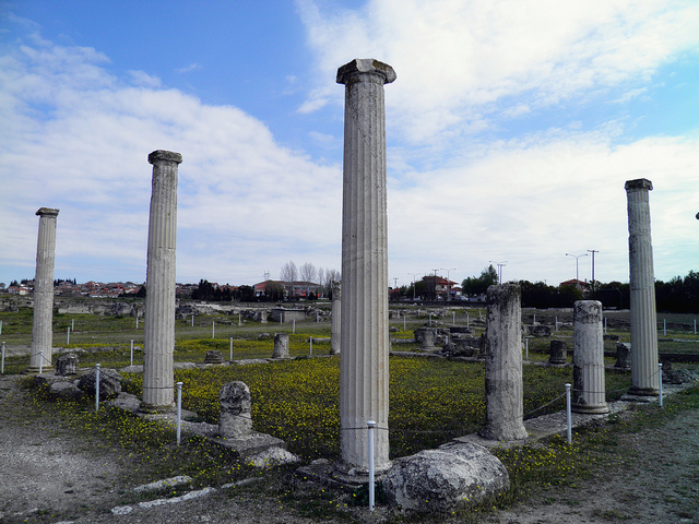 The main courtyard with its restored colonnade of the House of Dionysos, built in 325-300 BC, Ancient Pella